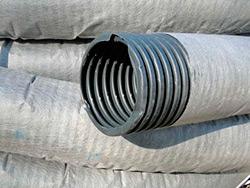 дренажная труба в геотекстиле